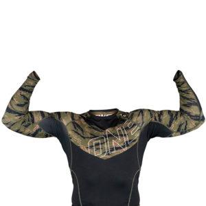hyperfly x one fc rashguard long sleeve tiger camo 4
